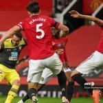 مانشستر يونايتد يهدر نقطتين ثمينتين بتعادله مع ضيفه ساوثهامبتون 2-2