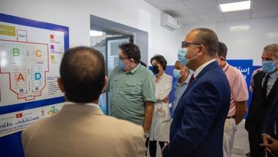 Photo of رئيس الحكومة يؤدي زيارة غير معلنة إلى المستشفى الطارئ وحدة كوفيد-19 بالحي الرياضي بالمنزه