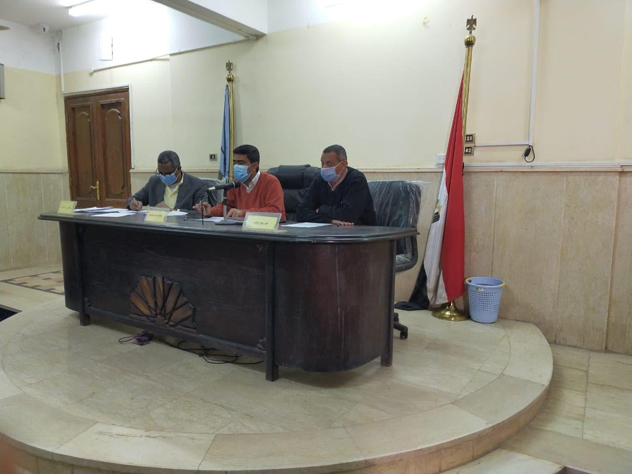 رئيس مدينة البياضبة يعقد جلسة المجلس التنفيذي رقم ١ لسنة ٢٠٢١ لمناقشة جدول الاعمال