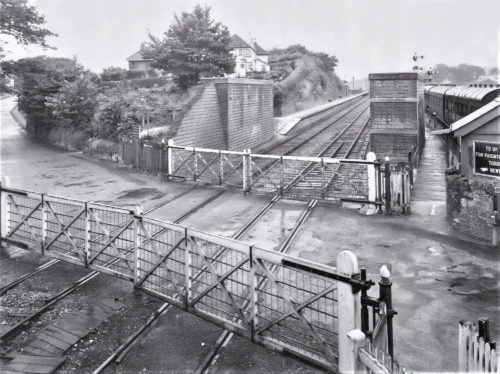 Paigntons third level crossing. Tanners Road Goodrington 500x374 - Paignton in 360º