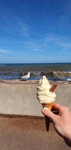 North Sands kiosk - 99 Ice cream Goodrington Beach