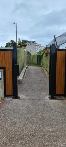 Beacon Cove Gate Torquay 2020