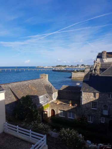 Roscoff promenade, bridge over water