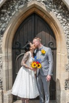 kiss, church, just married, happy