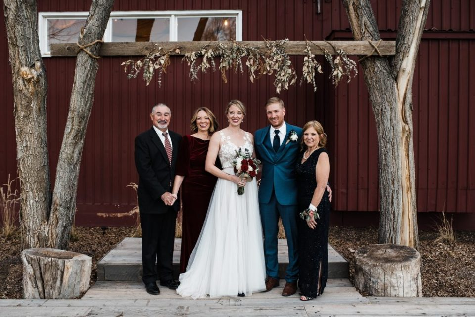 family photos at rustic lace barn in colorado springs