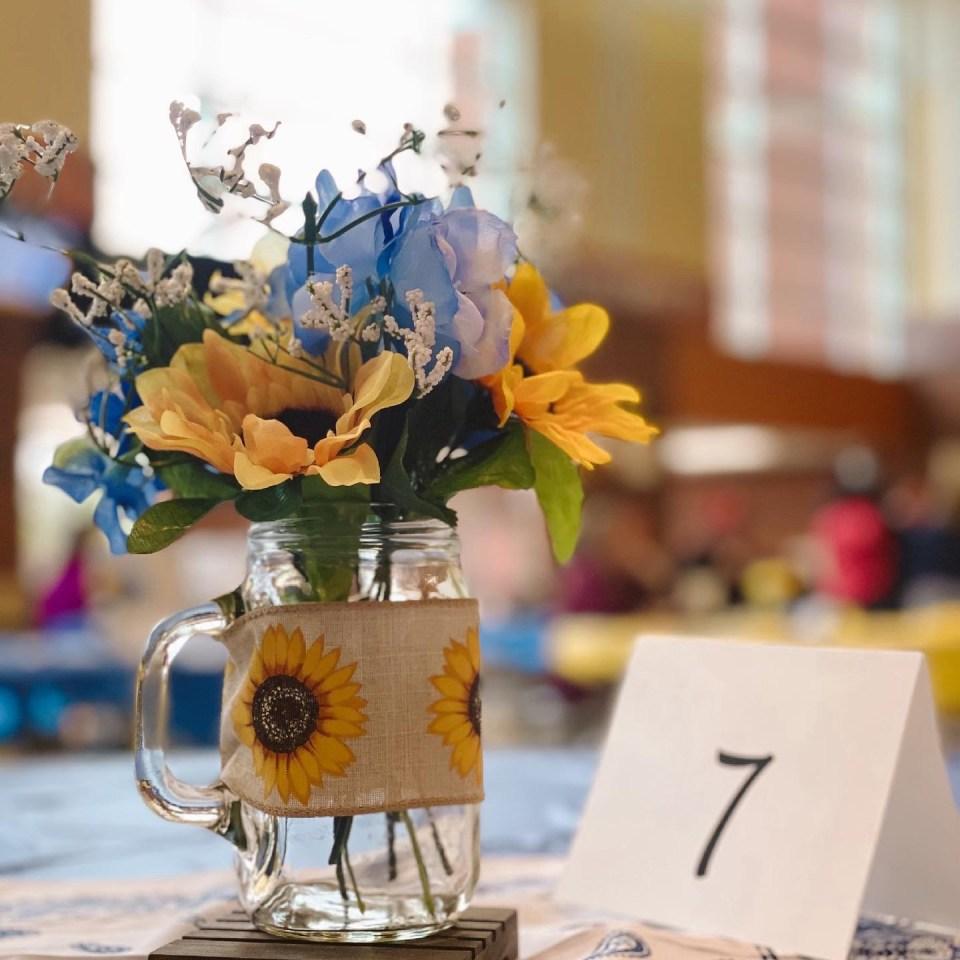 mason jar sunflowers burlap table centerpiece