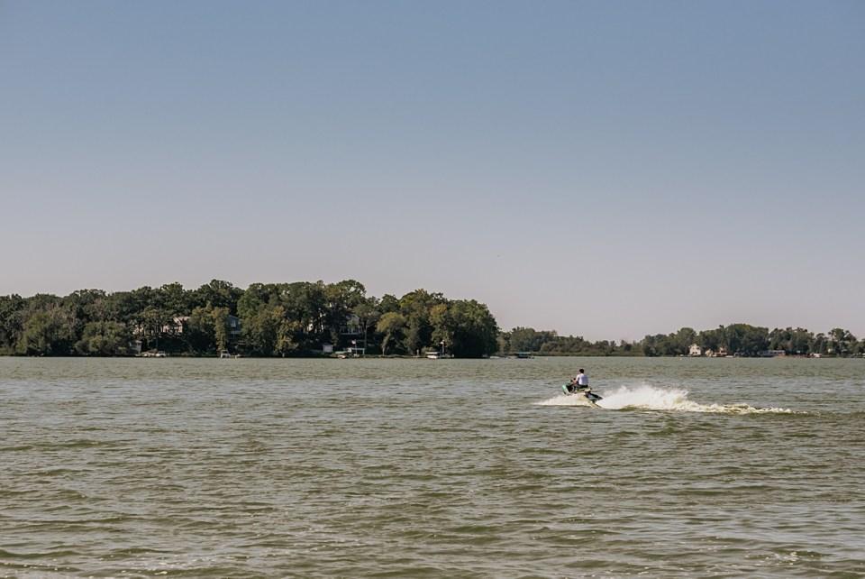 senior session on a jet ski on eagle lake