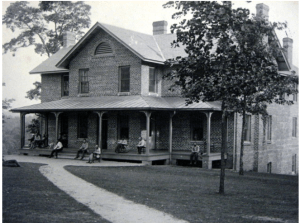 Men's House, ca. 1906. Patrick L. Murphy Papers, UNC Library