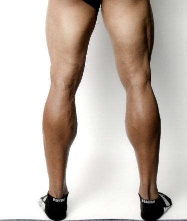 「ムキムキが美脚に」ふくらはぎの筋肉を落とす方法