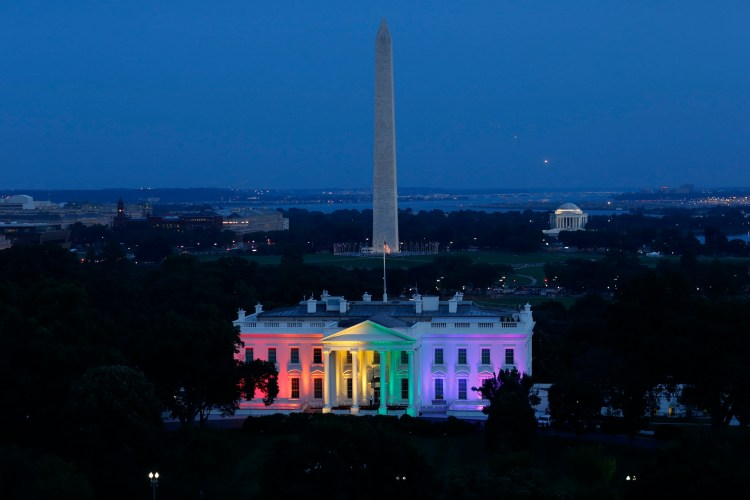 The+White+House+is+lit+with+the+colors+of+the+rainbow+in+celebration+of+the+Supreme+Court+ruling+on+same-sex+marriage,+June+26,+2015
