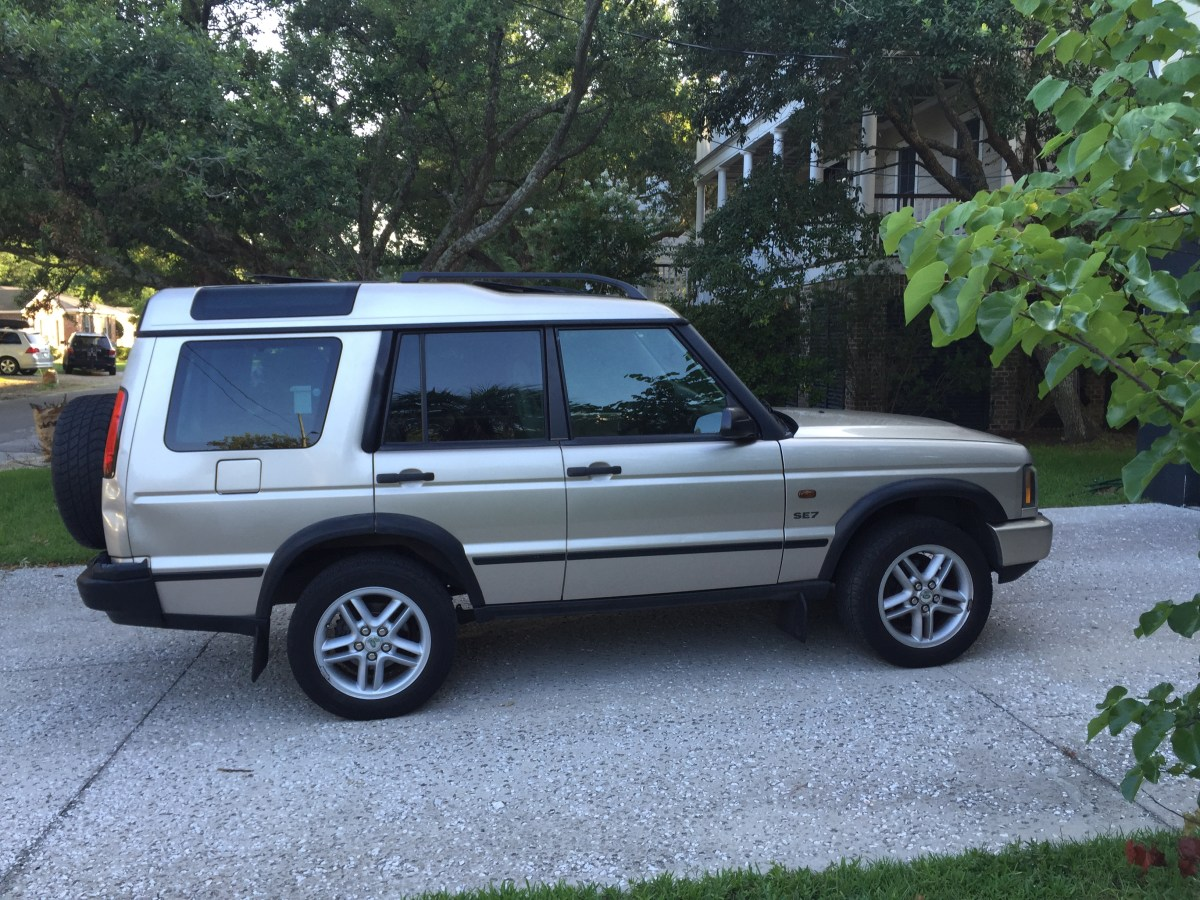Sold 2003 Landrover Discovery II  $1900