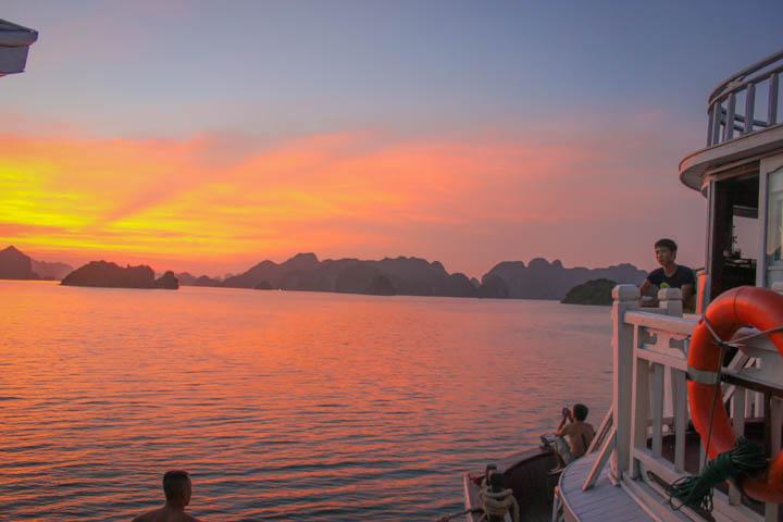 Halong_Bay_Party_Boat_Sunset