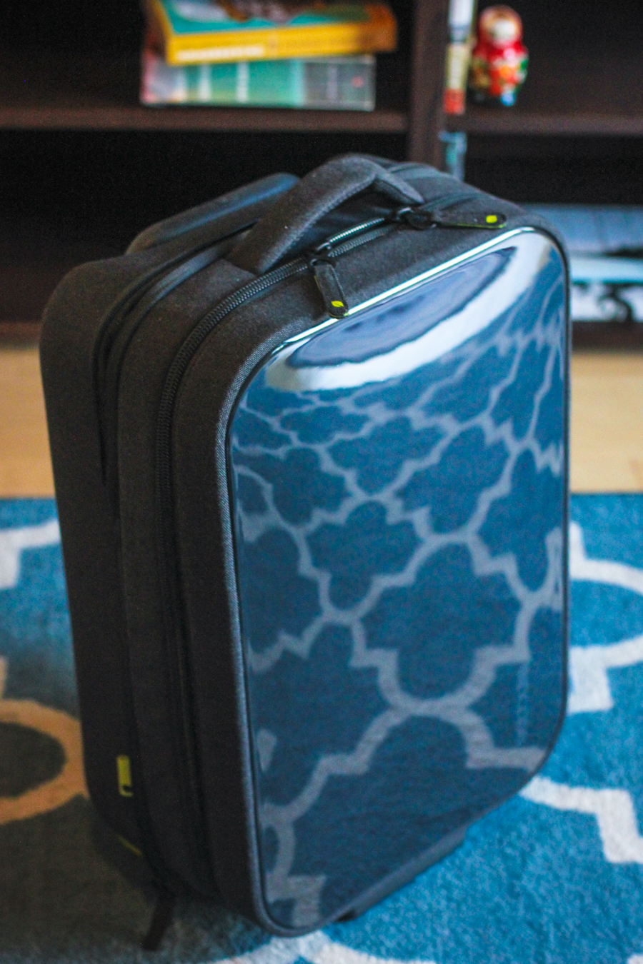 Traveling in Style: A Review of the Incase Hardshell Roller