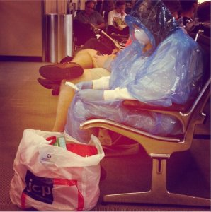 Woman-Fearing-Ebola-Wears-Homemade-Hazmat-Suit-to-US-Airport-462606-2