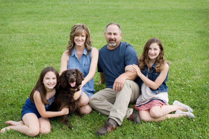1001Xenia-Ohio-Family-Dog-Session-by-Ashley-Lynn-Photography
