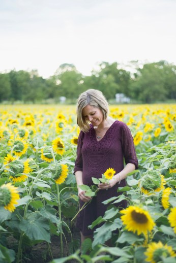 Family-Session-Sunflower-Field-by-Ashley-Lynn-Photography-1010