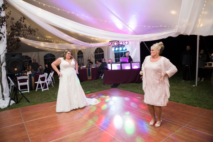 1050_dayton_ohio_rustic_chic_wedding_by_ashley_lynn_photography
