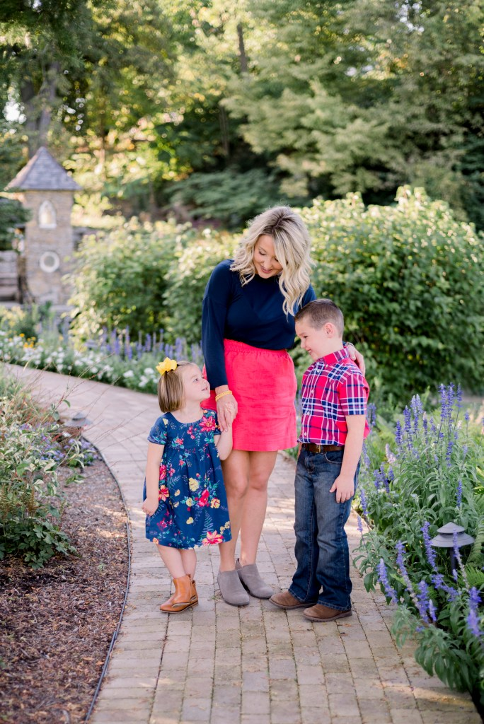 What To Wear in Family Photos: Bright Colors and Patterns