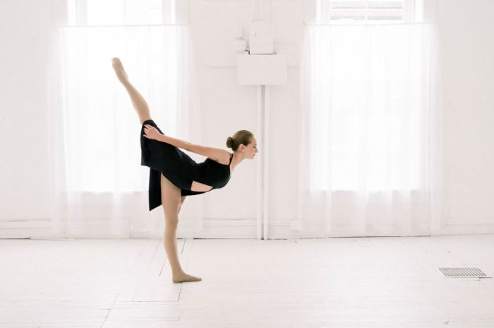 Our Lebanon, Ohio all-white photography studio makes the perfect backdrop for dance portraits