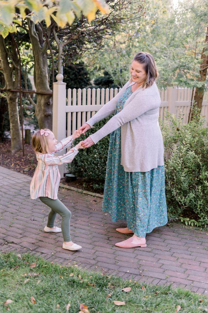Mommy and Me Photos at Wegerzyn Gardens