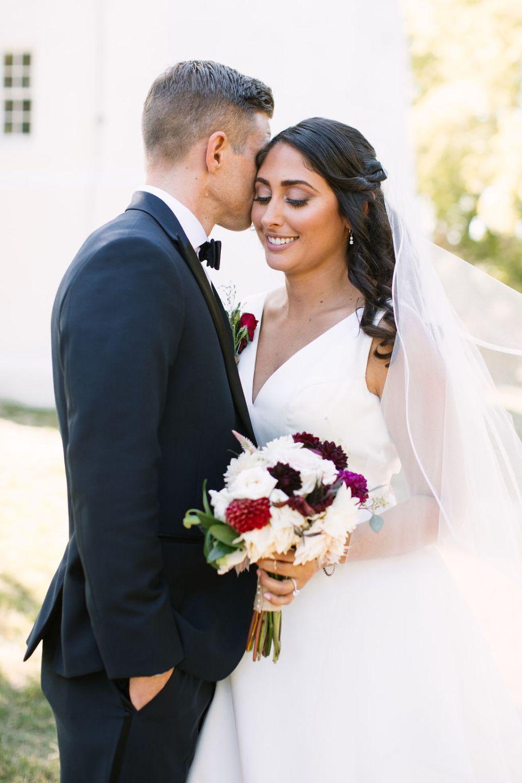 wedding photos at Sandy Hook Chapel with Ashley Mac Photographs
