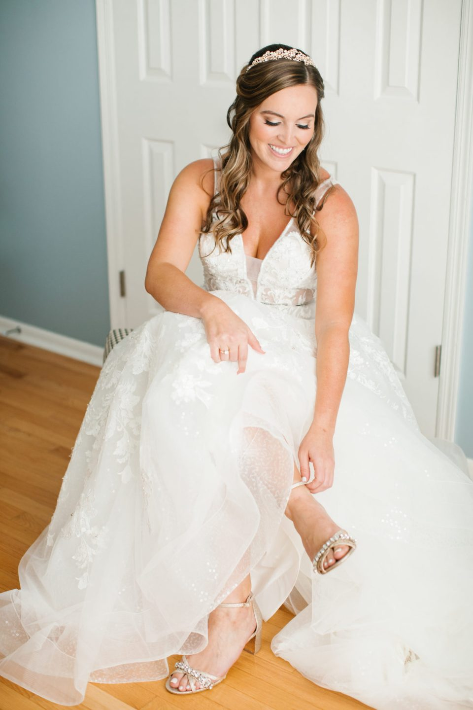 bride prepares for Navesink Country Club wedding photographed by Ashley Mac Photographs