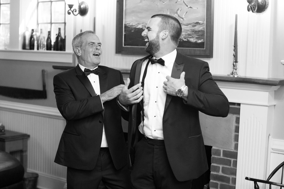 groom prepares for Shrewsbury NJ wedding with Ashley Mac Photographs