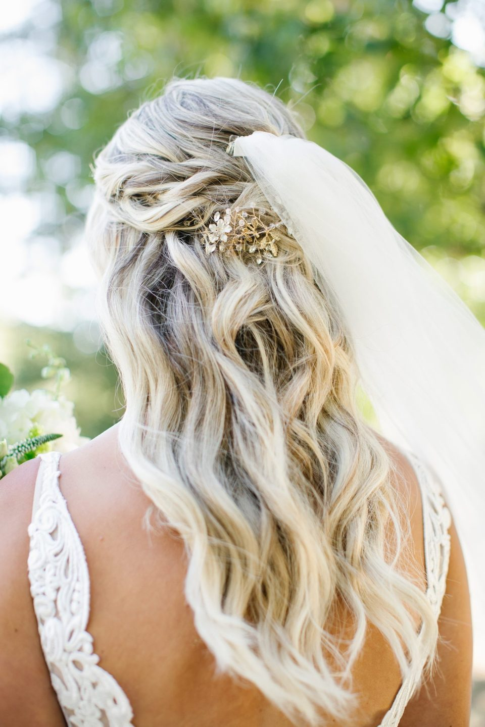 gorgeous bridal hairstyle for outdoor wedding day with Ashley Mac Photographs