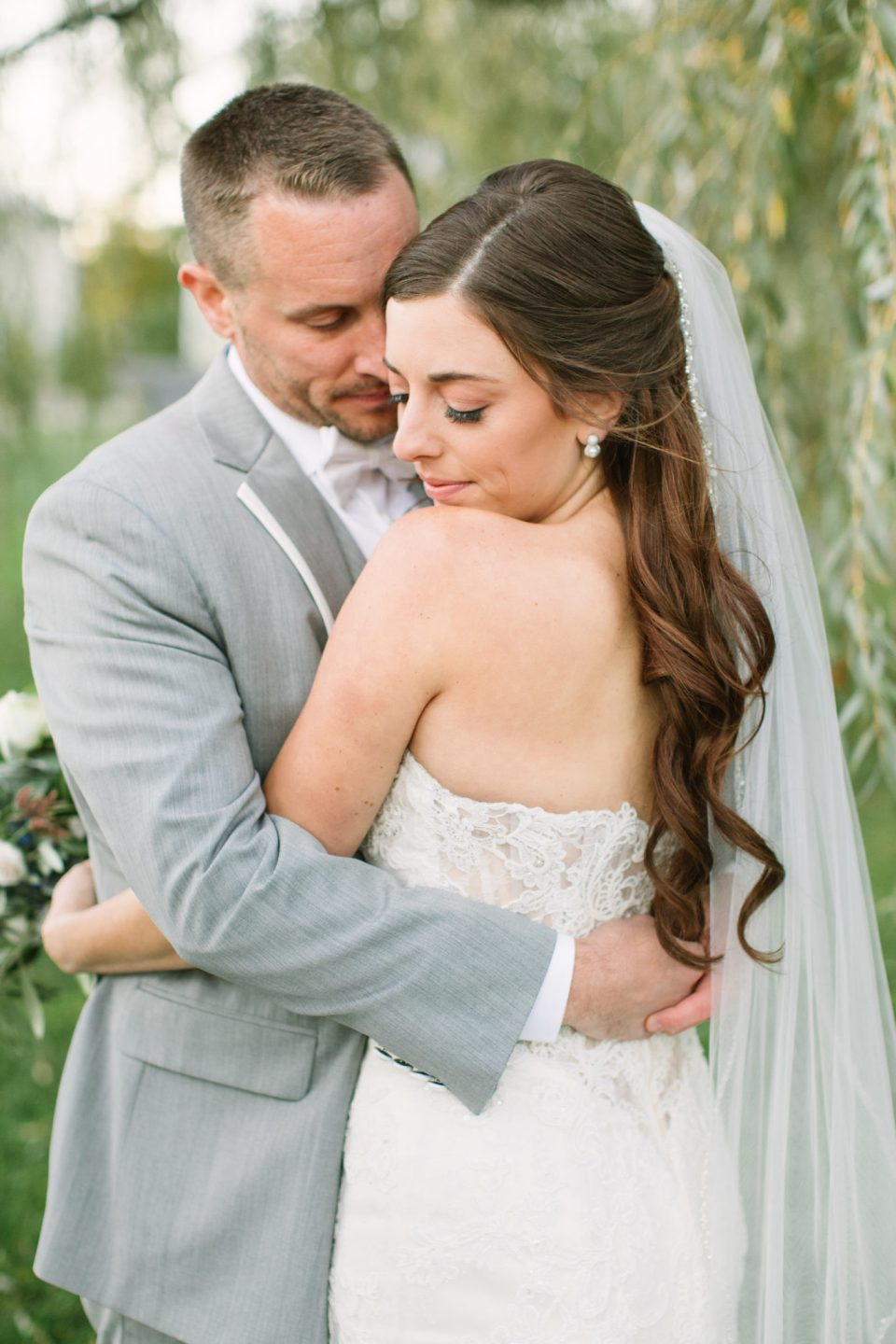 romantic wedding photos by Ashley Mac Photographs in Middletown NJ