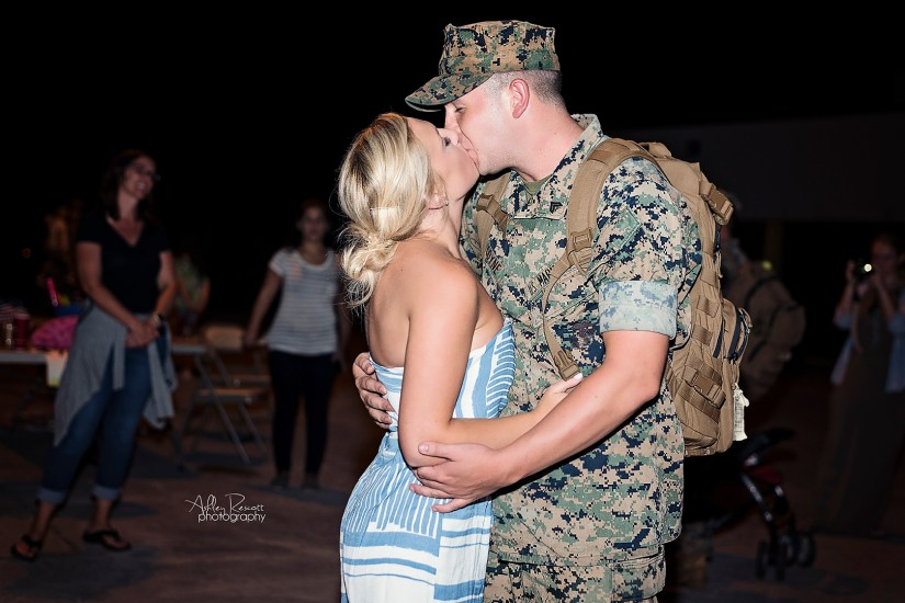 couple reuniting after deployment