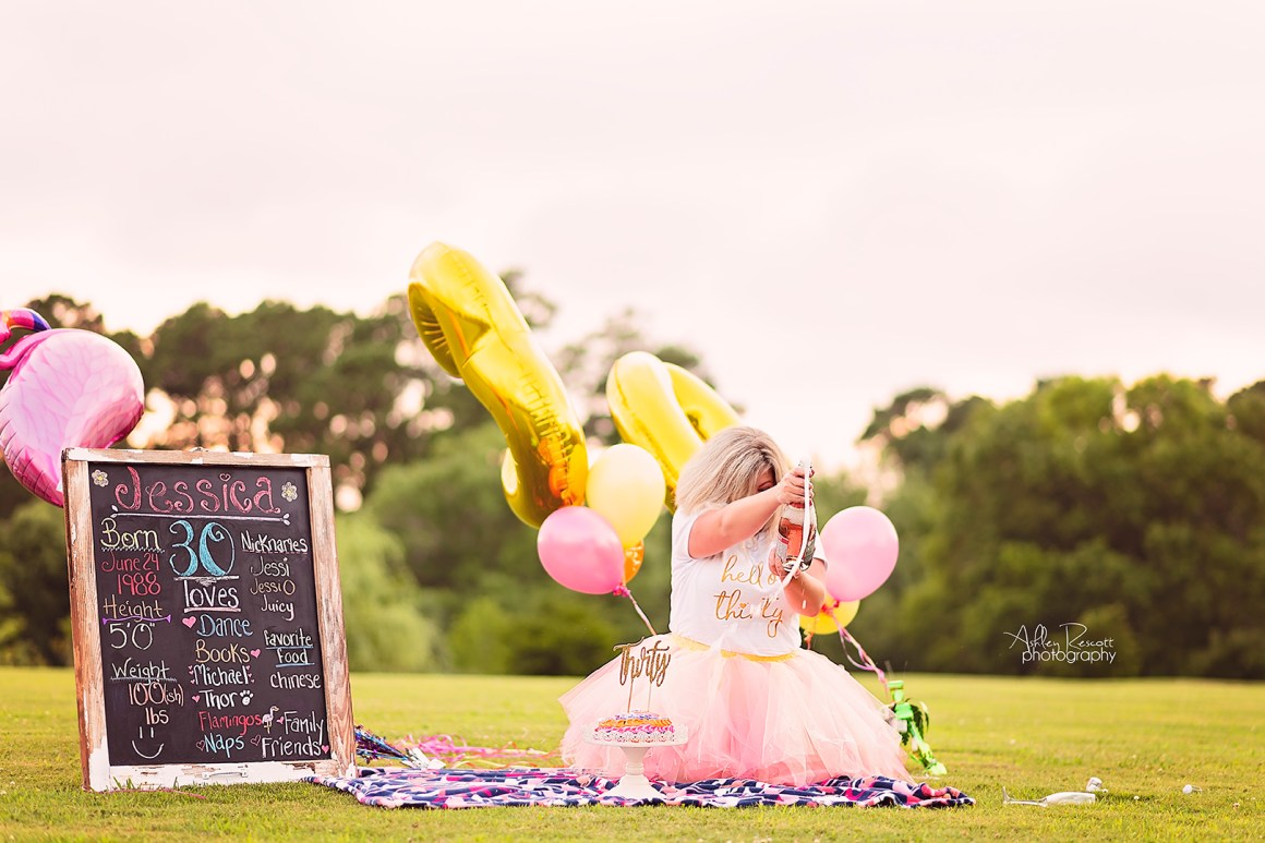 30th cake smash photo session