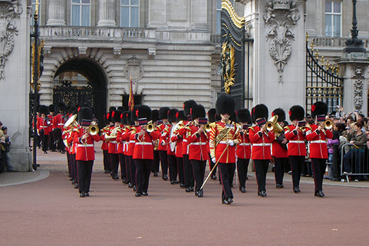 Insider-Guide-9_Changing-of-the-Guard_London