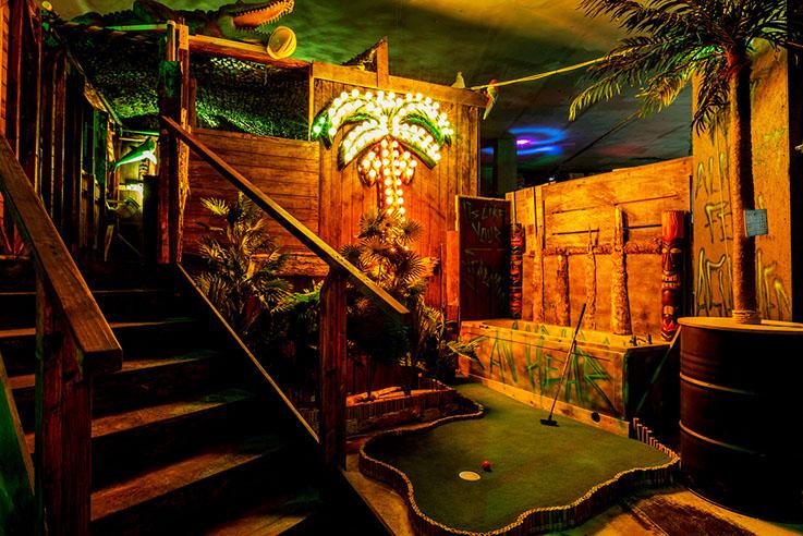Junkyard Crazy Golf (Halloween Special)