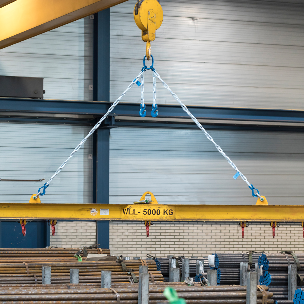 Tycan Chain holding a beam