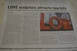 LOVE sculpture attracts tourists