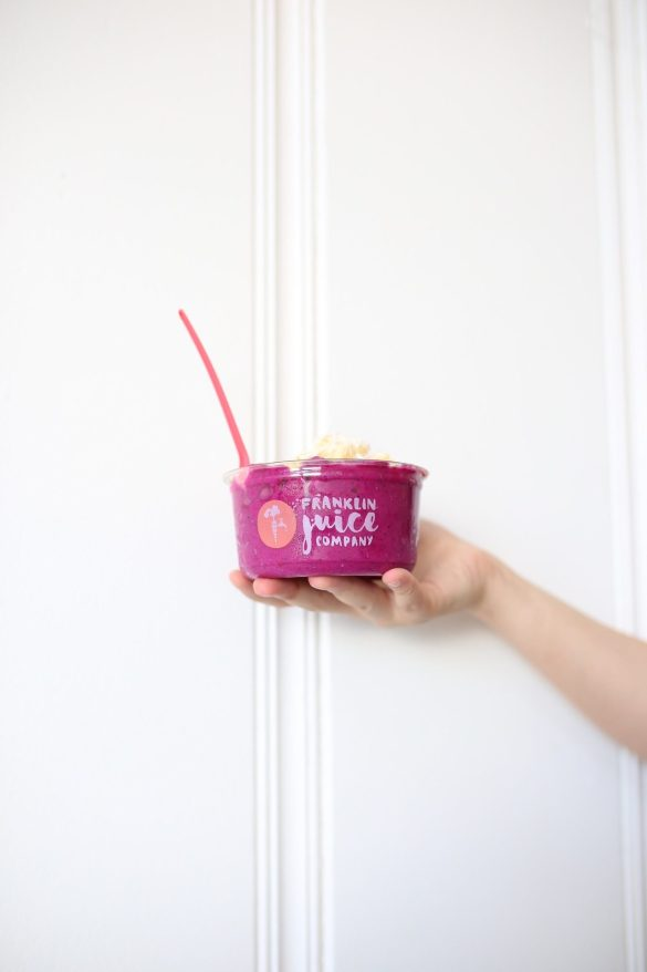Franklin Juice Company, Pitaya Bowl - THE ULTIMATE NASHVILLE CITY GUIDE featured by popular Los Angeles travel blogger, Ashley Hodges
