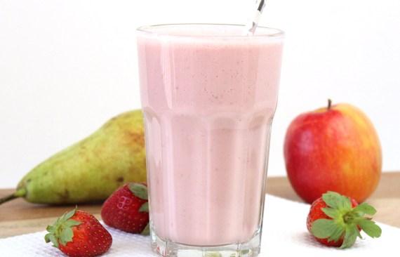 smoothie met aardbeien, appel en peer