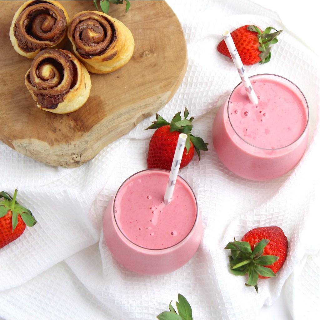 Heerlijke smoothie met aardbeien en banaan