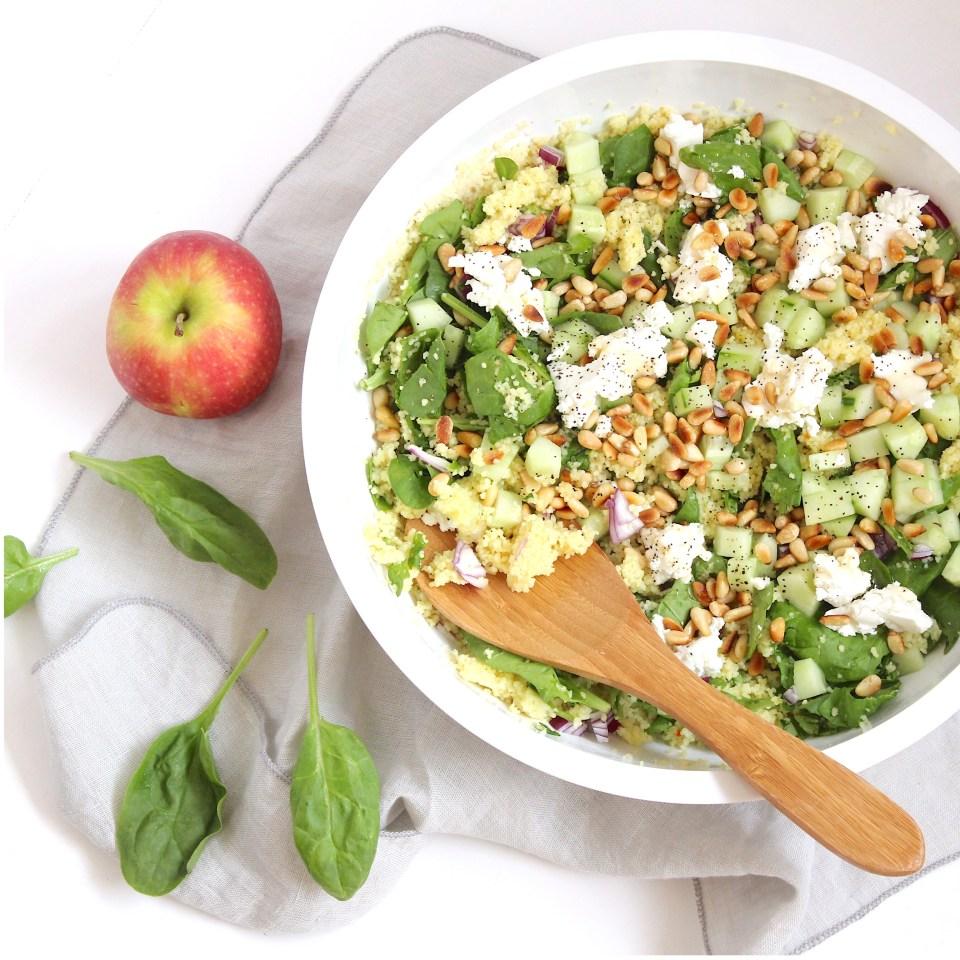 Zomerse couscous salade met spinazie en appel