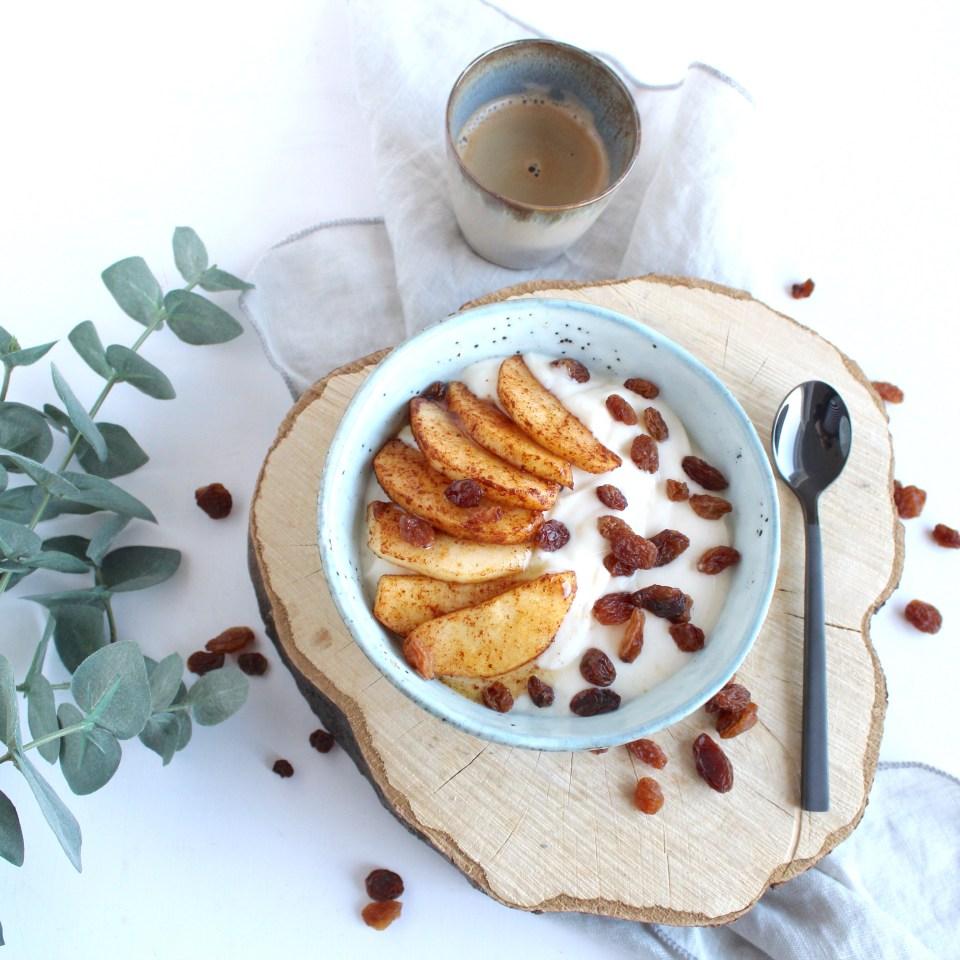 Kwark ontbijt met warme appel