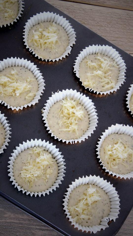 Hartige muffins met truffelkaas en Italiaanse kruiden