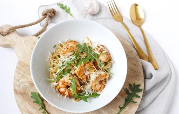 Spaghetti met gamba's en rucola
