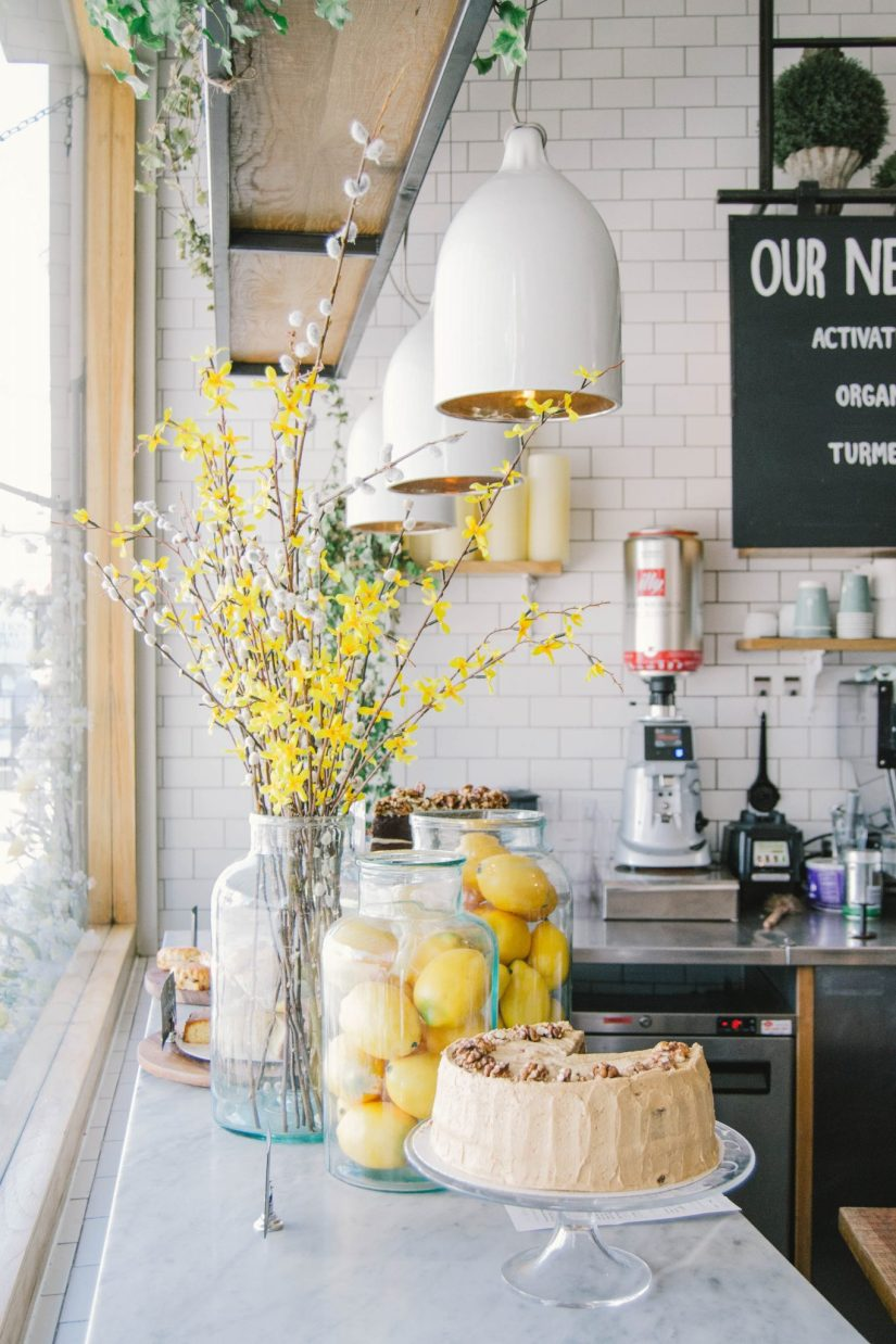 23 Impressive Kitchen Counter Decor (Ideas for Styling ... on Counter Top Decor  id=94988