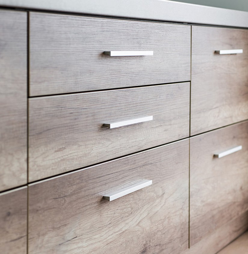 images of kitchen cabinets with knobs and pulls
