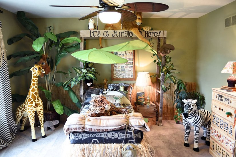 Cool Kids Bedroom Theme tropical bedroom