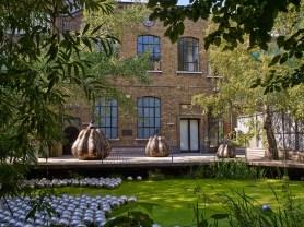 Installation View, Yayoi Kusama, Pumpkins, Garden, Victoria Miro, 16 Wharf Road, London N1 7RW, 2014