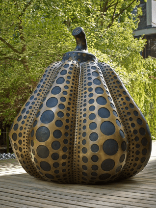 Pumpkin (L), 2014 Bronze, 220 x 260 x 260 cm, 86 5/8 x 102 3/8 x 102 3/8 in