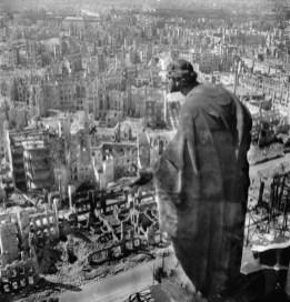 Richard Peter: Dresden After Allied Raids, Germany, 1945. © SLUB Dresden / Deutsche Fotothek