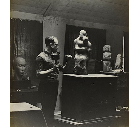 Trevor Tennant at work in his studio, 1930s Courtesy of the Estate of Dorothy Annan and Trevor Tennant/Leeds Museums & Galleries (Henry Moore Institute Archive)