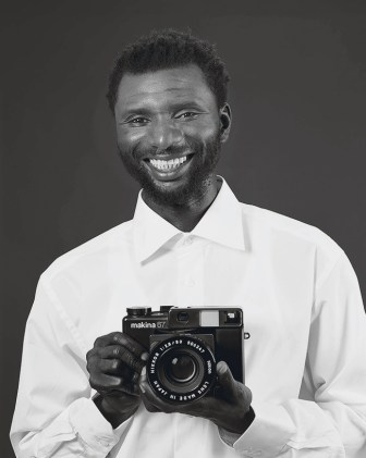 Mustafa Kinte (Gambia), Camera: Makina 67 506347 … Dirk Schaper Studio, Berlin, July 20, 2007 2008 Private Collection, London Image courtesy Galerie Gisela Capitain, Cologne and David Zwirner, New York/London